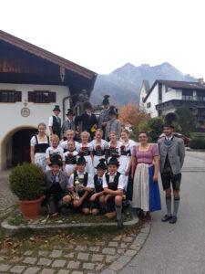 Kinder- und Jugendgruppe vom Trachtenverein Alpenrose