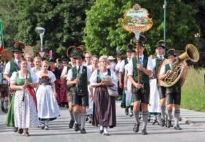 Aktive vom Trachtenverein Nußdorf am Inn