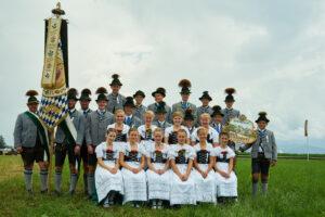 Jugendgruppe vom Trachtenverein Alpenrose Nußdorf