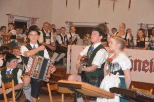 Vereinsmusik beim Trachtenverein Alpenrose, Nußdorf am Inn