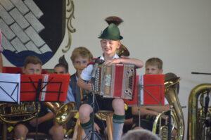 Vereinsmusik mit dem Trachtenverein Alpenrose